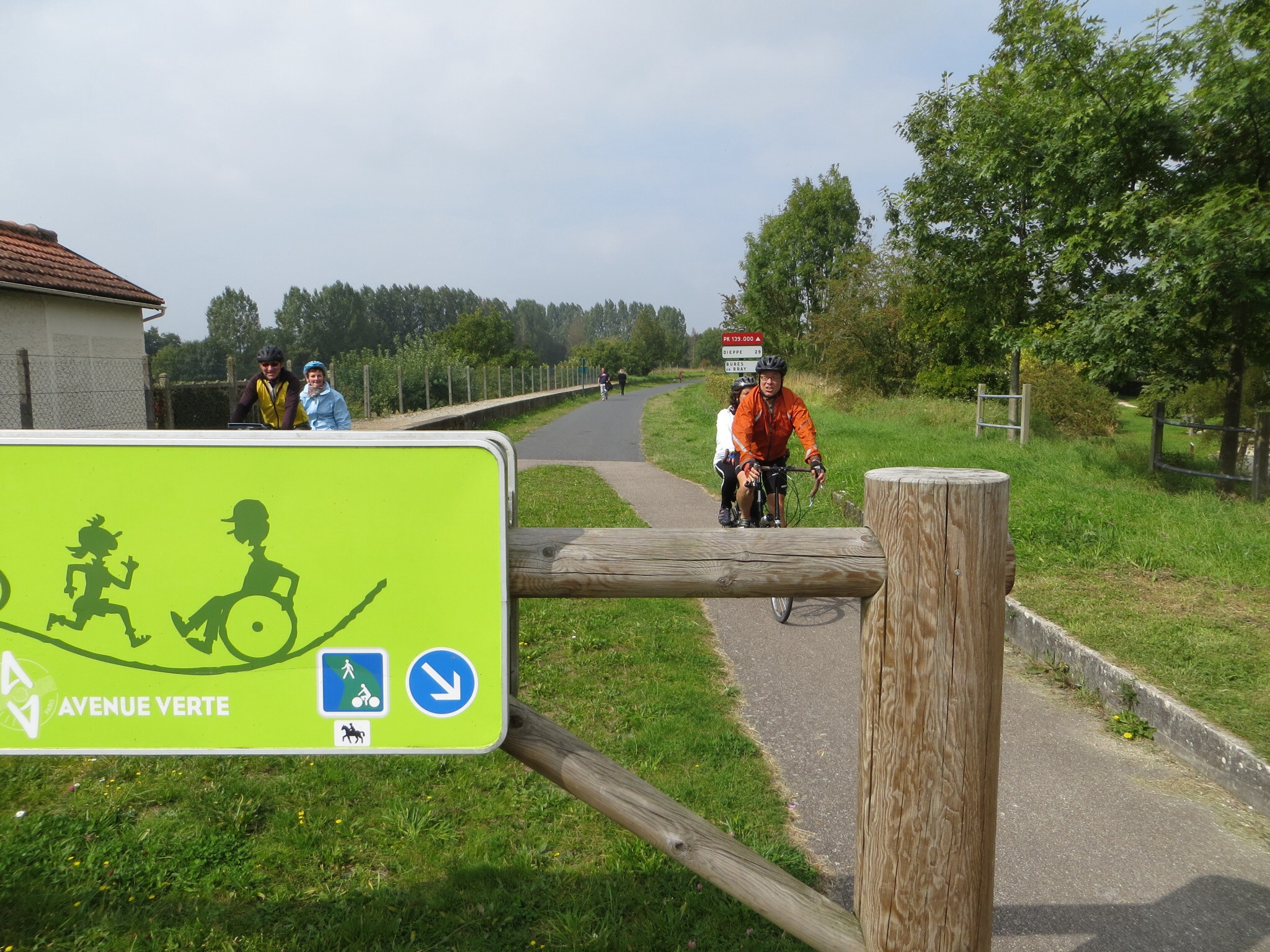 French rail-trail extended 30 miles from Forges les Eaux, part of bike route from Paris to London